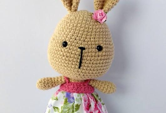 coniglietta piccola con vestitino