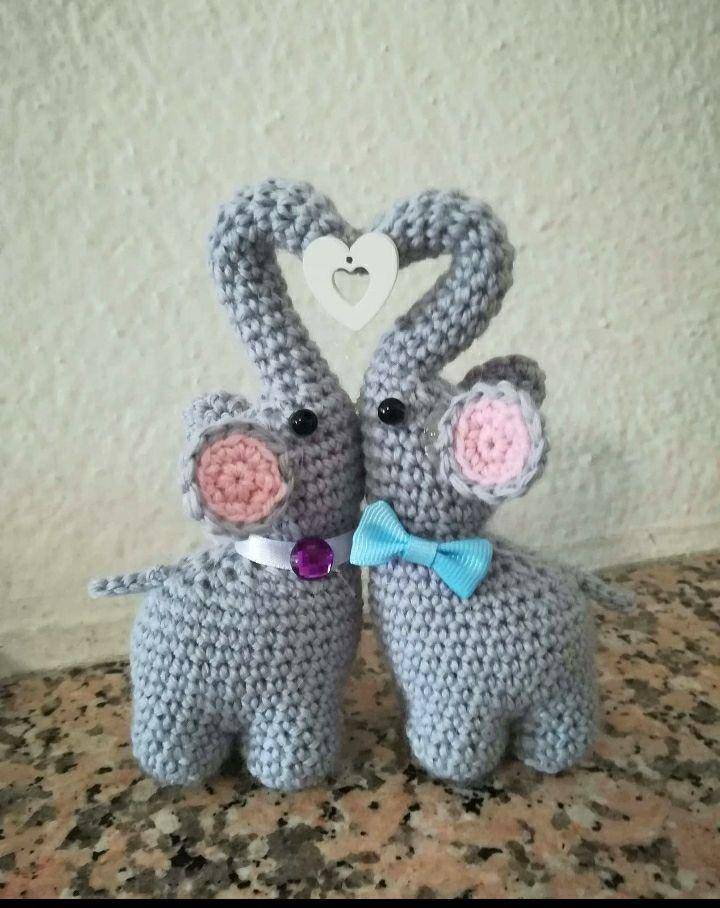 Elvie the Amigurumi Elephant - crochet PDF pattern by Airali design | 908x720